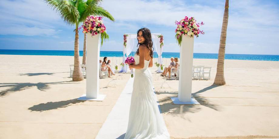 How to find the perfect makeup artist for your destination wedding